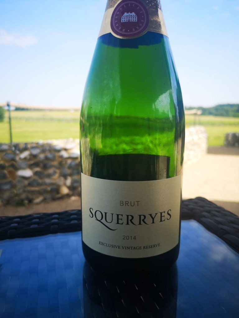 squerryes brut 2014 sparkling english wine
